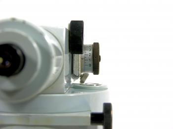 A view at the micrometer of the Zeiss Opton plan parallel plate.