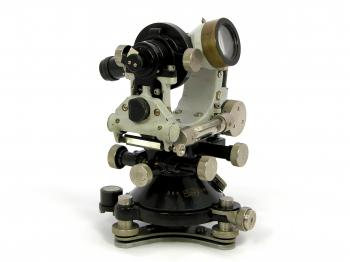 The 1924 Carl Zeiss thI optical theodolite