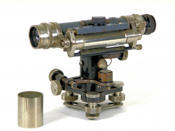 The Carl Zeiss Nivellier I.
